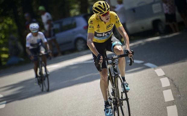 Great Britain's Christopher Froome (R) and Colombia's Nairo Quintana ride in the last hill during the 167 km tenth stage of the 102nd edition of the Tour de France cycling race on July 14, 2015, between Tarbes and La Pierre-Saint-Martin, southwestern France.   AFP PHOTO / JEFF PACHOUDJEFF PACHOUD/AFP/Getty Images